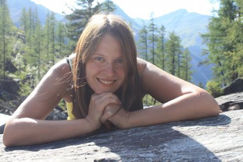 Elena аватар